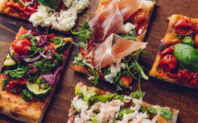 Pizzarium tarjoilee areenalla roomalaisia levypizzoja kahden ravintolan voimin.