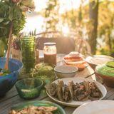 Ravintoloiden juhannusspessut 2021: Tee se itse -paketteja, noutomenuja ja paljon muuta