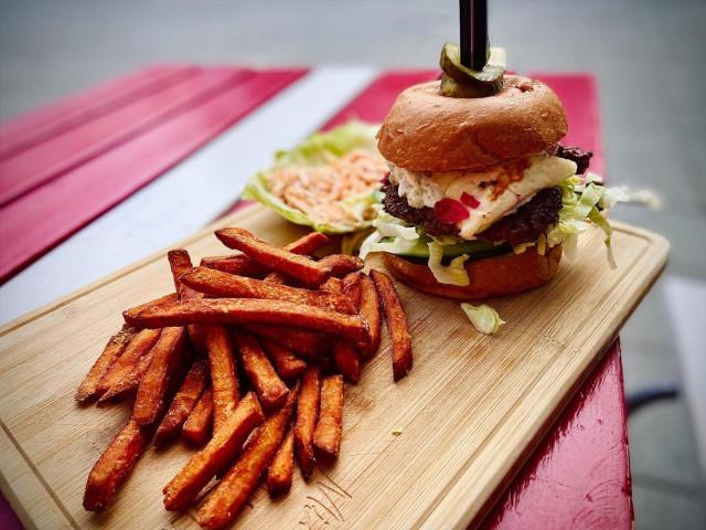 Burgerit ovat Mike's Dinerin juttu.