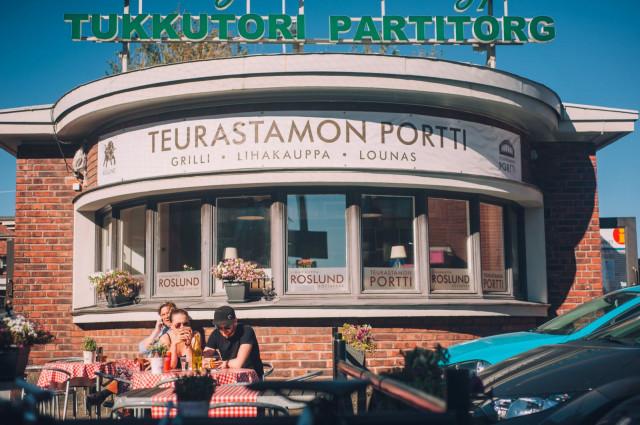 Roslundin lihamyymälä ja bistro sijaitsee Teurastamon pittoreskissa portinvartijan rakennuksessa.