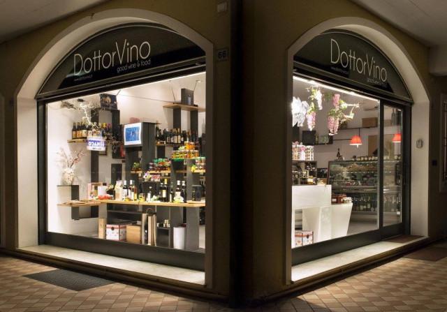 DottorVino-myymälä sijaitsee Sirmionessa, Italiassa.
