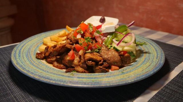 Marinoitu porsas on yksi Thalassa-ravintolan suosituimmista annoksista.