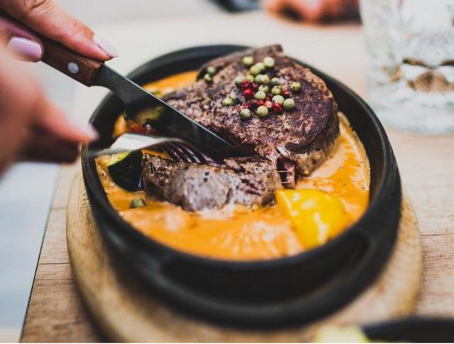 Pippuripihvi on Rafael's Steakhousen myydyin annos.
