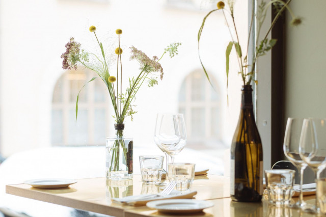 Henkilökunnan läsnäolo on Mäkisen mukaan tässä ravintolassa huipussaan.