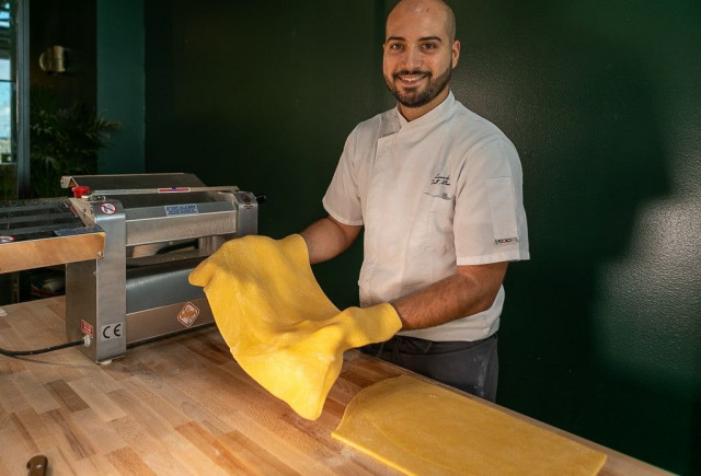 Angelinassa valmistetaan pastaa käsityönä päivittäin.
