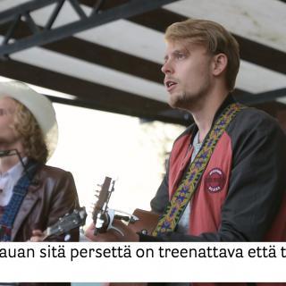 Kalevauva.fi kysyy, mikä on elämän tarkoitus ja kauan sitä persettä pitää treenata, että tulokset näkyvät?