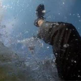 Venäläisbändi Biting Elbows vie katsojan uudella videolla väkivaltaiselle pakomatkalle